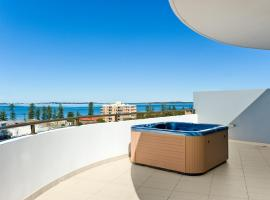 Hotel photo: Luxury Ocean Penthouse