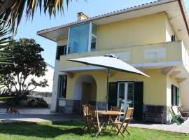 Hotel Photo: Casa de alojamento local (T2) Queluz de Baixo