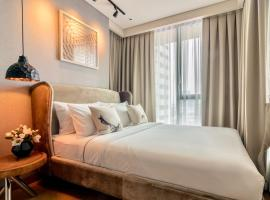 A picture of the hotel: Luxury Stylish 1 Bedroom Sukhumvit 24 (Phrom Phong BTS)