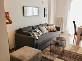 A picture of the hotel: Central Athens Elegant Apartment