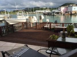 Hotel Photo: Serene Waterfront Villa