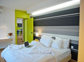 Hotel photo: The Hub DELUXE