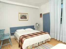 Hotel photo: Studio Komiza 2429f