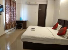 Hotel Photo: JK Rooms 119 Orangecity-Nr. Airport-Pioneer Residency