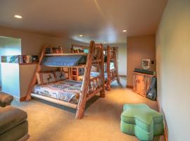 Hotel photo: Miracle Lodge - Four Bedroom Cabin