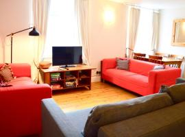 Hotel photo: 2 Bedroom Apartment in the City Centre Sleeps 6