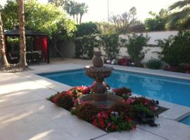 A picture of the hotel: Spacious Newly Remodeled Home In The Heart Of Palm Springs
