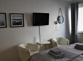 Hotel Photo: Solsta Hotell