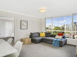 Hotel photo: Light Filled Apartment Moments from the CBD - RAND3