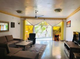 A picture of the hotel: Beach Front Apartment Malindi