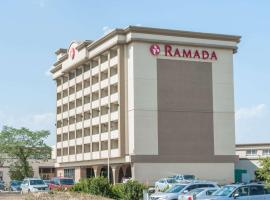 Hotel Photo: Ramada by Wyndham Edmonton South