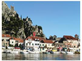Hotel Photo: Holiday home Omis 321