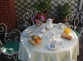 A picture of the hotel: B&B Le Cottage Paris Saclay