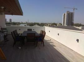 Hotel photo: Beautiful mini penthouse near Tel Aviv