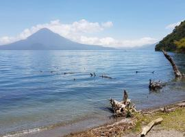 A picture of the hotel: La Riviera de Atitlan