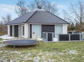 Hotel Photo: Three-Bedroom Holiday Home in Hals