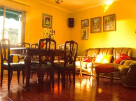 Hotel photo: Artistic apartment with panoramic views