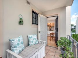 Hotel photo: Light, airy unit in the heart of the Inner West