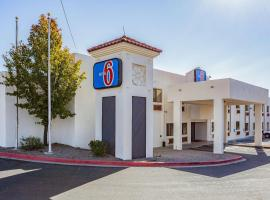 A picture of the hotel: Motel 6 Santa Fe Central