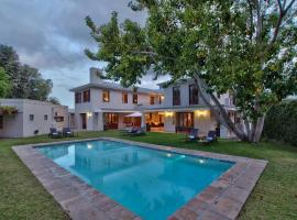 Hotel Photo: Nova Constantia Boutique Residence