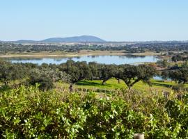 Hotel photo: Herdade dos Alpendres