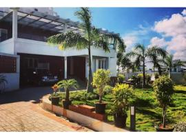 Hotel Photo: Pearl Beach Villa