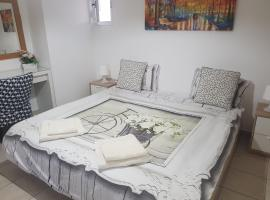 Hotel photo: Yifat's Rooms Dead Sea