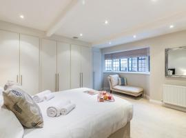 Hotel photo: Stunning Eton Apartment