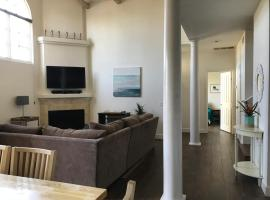 Hotel Photo: Felspar Townhome