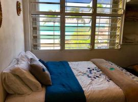 A picture of the hotel: Isla Verde Oceanview Studios