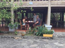 Hotel Photo: Cat Ba Eco Lodge Resort