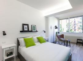 Hotel photo: Colourful and bright flat near Vatican