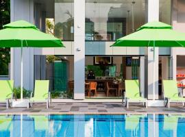 8 on Claymore Serviced Residences - By Royal Plaza on Scotts Singapur Singapur