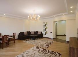 Hotel photo: 4 bedroom apartment at Teryan street