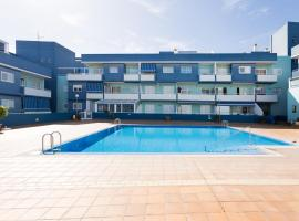 Hotel Photo: BRIGHT APARTMENT NEAR THE SEA - WIFI - POOL