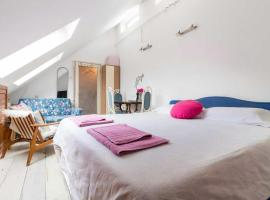 Hotel photo: Top studio Brit square