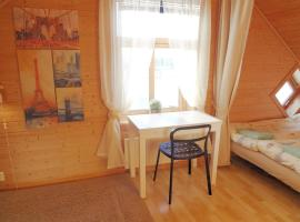 Hotel Foto: Fully equipped flat, 2 bedrooms, FREE car parking.