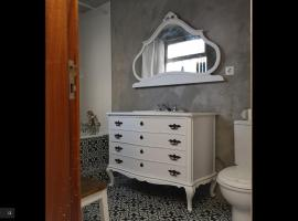 Hotel photo: Beach House in Espinho for 6+ pax