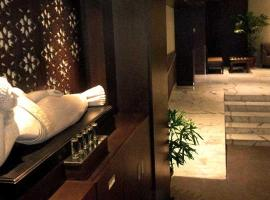 A picture of the hotel: Plaza Premium Transit Hotel T1D