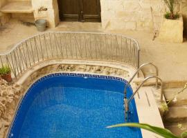 Hotel Photo: Ta Salvu Farmhouse Gozo