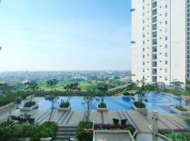 Hotel Photo: Comfy 2BR Connected to Mall at Bassura City Apartment By Travelio