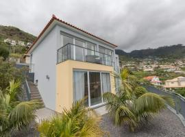 Hotel Photo: Villa Isabel Ocean View in Arco da Calheta