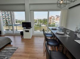 A picture of the hotel: Luxury apartment Athens view
