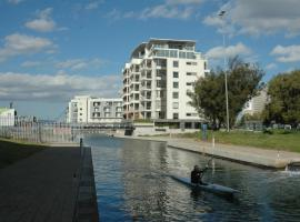 Hotel Photo: 501 Canal Quays