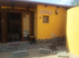 A picture of the hotel: Monolocale biancolivo