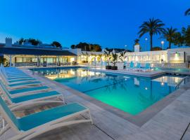 Hotel Photo: Hotel Playasol Cala Tarida