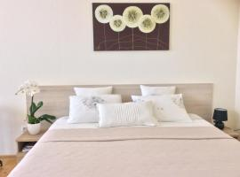 Hotel Photo: Kranto Luxe Stay