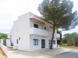 Hotel photo: Apartamentos Playamar - Formentera Break