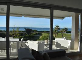 Hotel Photo: Luxurious Apartment In Front Of The Beach Gava Mar