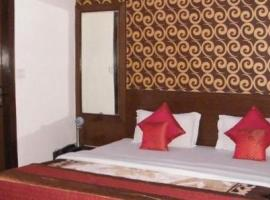 A picture of the hotel: 1 BR Boutique stay in Paschim Vihar, New Delhi (B1C4), by GuestHouser